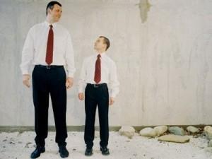 背が低い男性